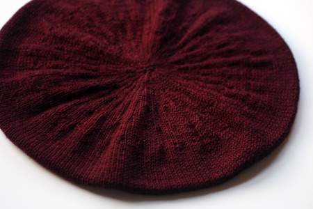 Beret Knitting Pattern Straight Needles : BERET PATTERN KNIT STRAIGHT NEEDLES DESIGNS & PATTERNS